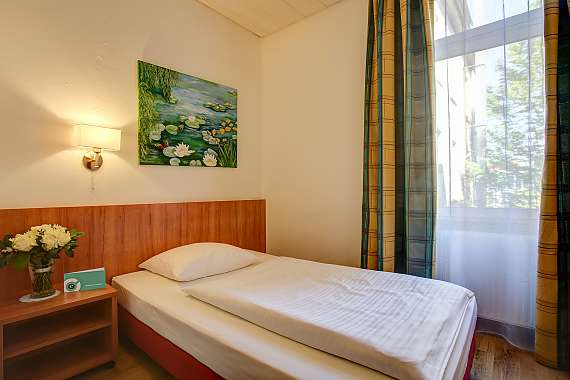 Popular Hotel with attractive room rates