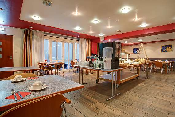 A generous breakfast is served each morning at the Centro Hotel Konti in Cologne.