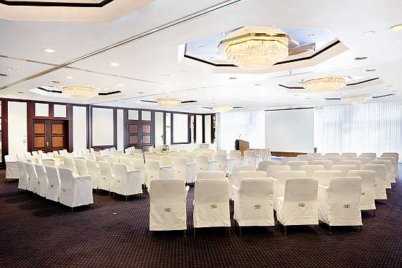 The 7 event locations of the Park Hotel Ahrensburg offer enough space for your event