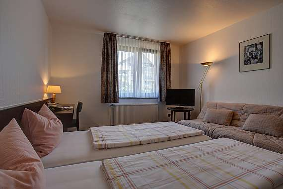 Centro Hotel Krefeld offers comfortable single and double rooms