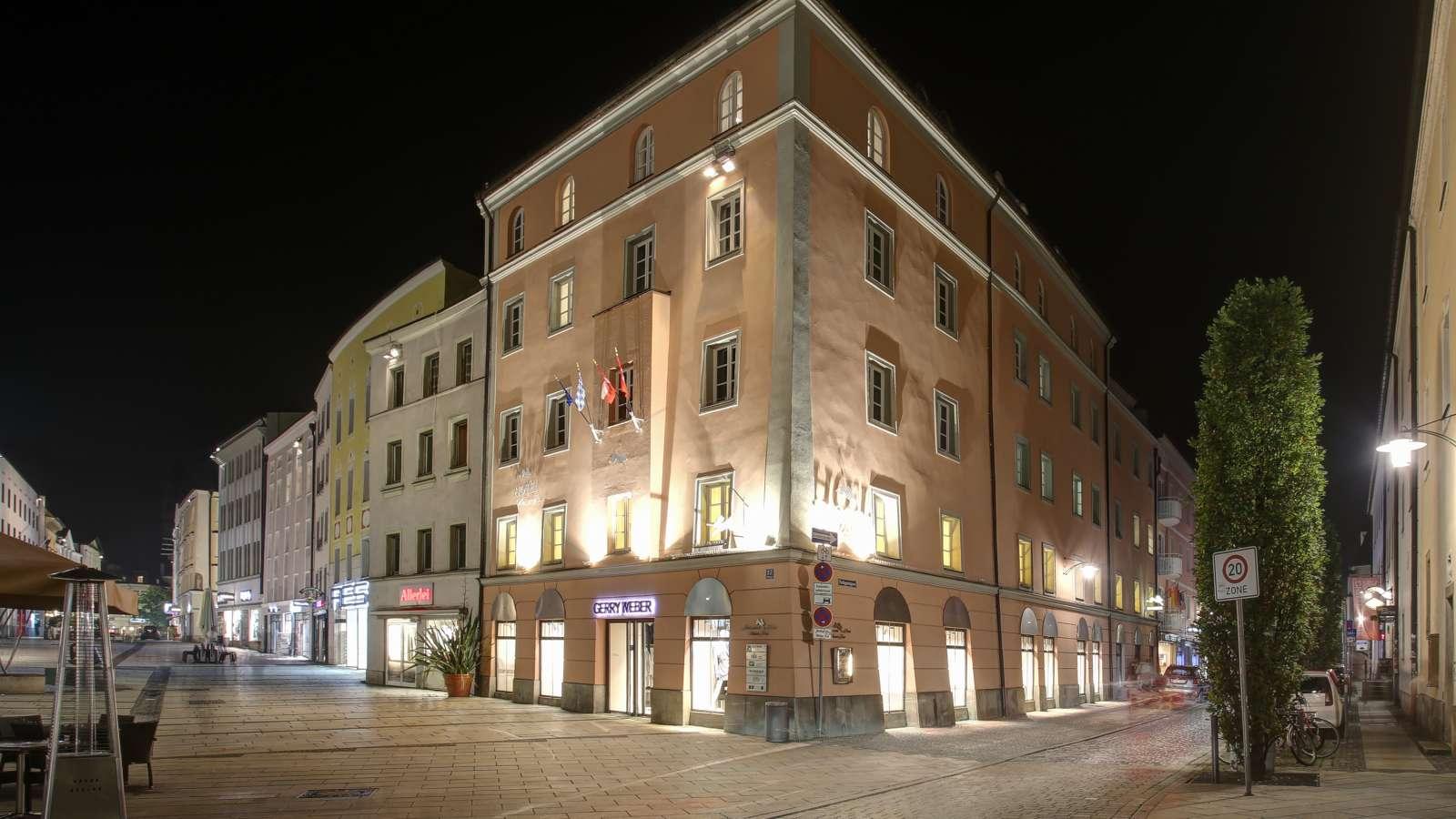 Centro Hotel Weisser Hase Passau