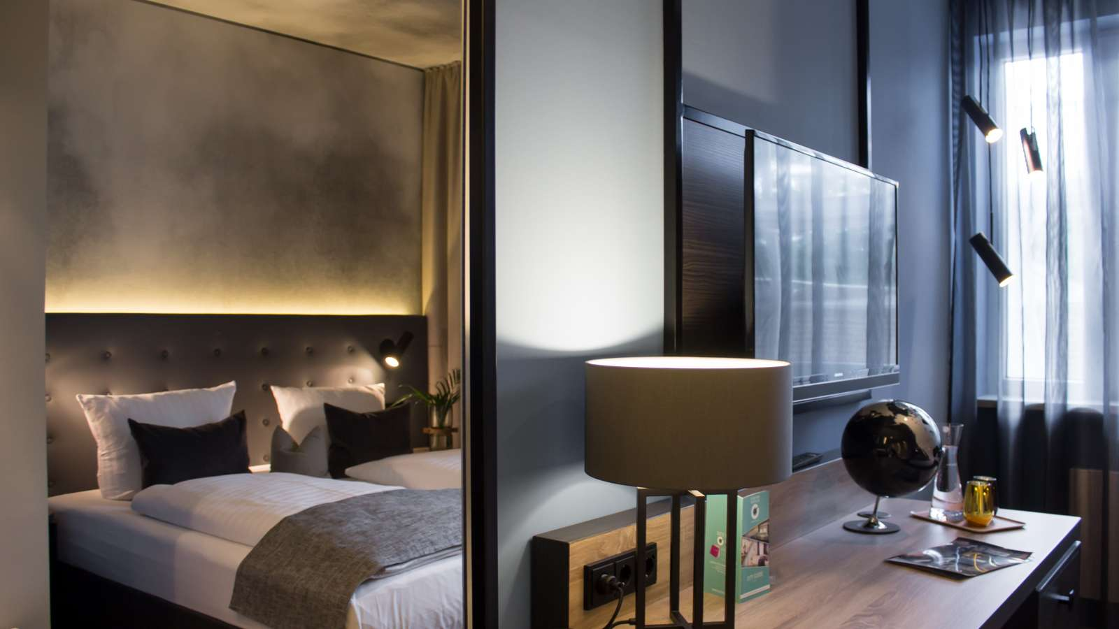 Boutique 125 hamburg airport for Design boutique hotel tirol