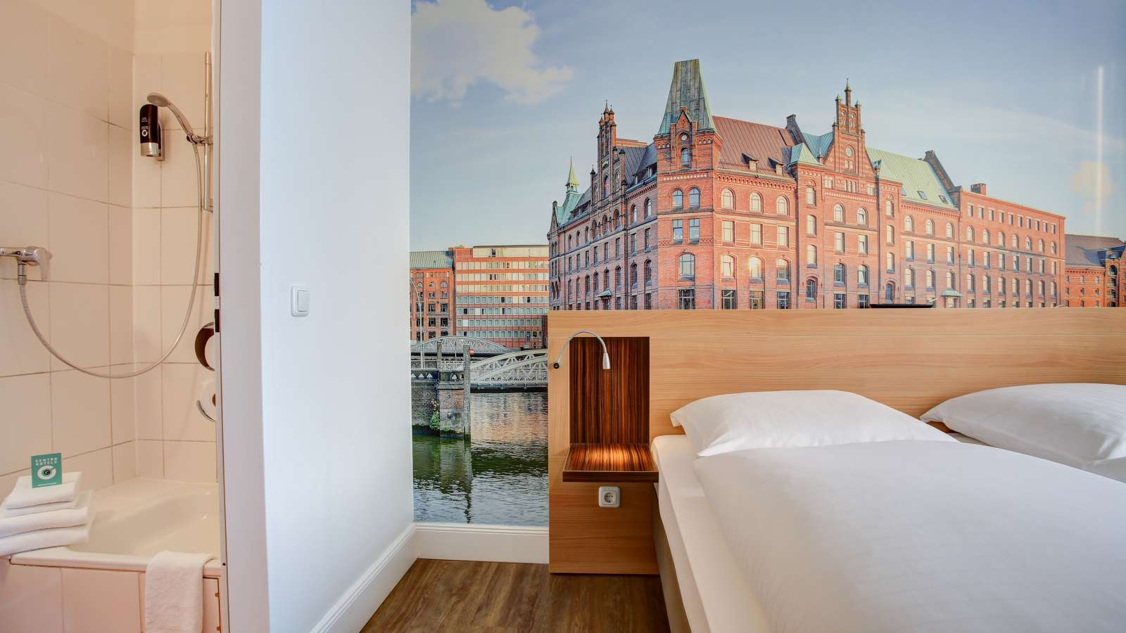 A double room at Centro Hotel Keese in Hamburg