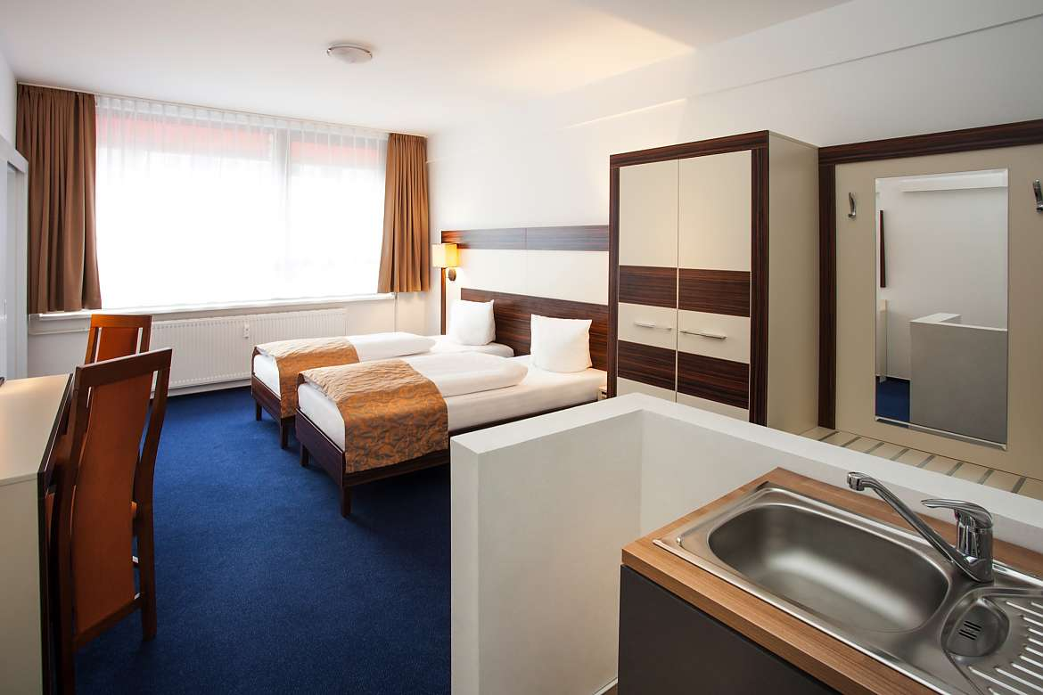 A double room at Centro Hotel Celler Tor in Braunschweig