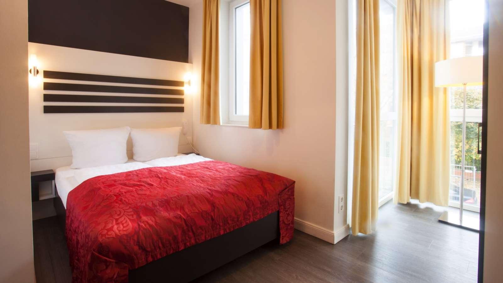 centro hotels hamburg. Black Bedroom Furniture Sets. Home Design Ideas