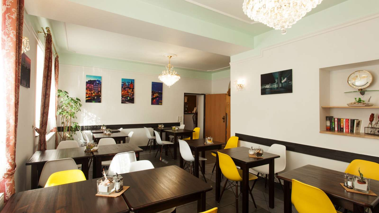 The breakfast room of Centro Hotel Arkadia in Cologne