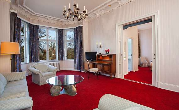 A suite at Centro Hotel Kaiserhof Deluxe in Lübeck