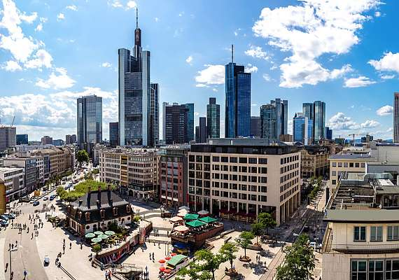 Would you like to visit Frankfurt, the Katharinenkirche and the Hauptwache tower? At Centro Hotels you will always be centrally situated, and can explore the whole city.