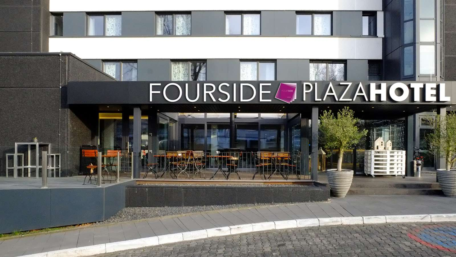 centro hotels news neues fourside hotel in trier. Black Bedroom Furniture Sets. Home Design Ideas