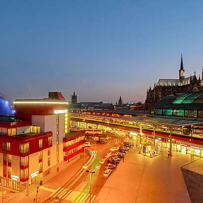 Centro Hotel Kommerz in Cologne, directly by the cathedral