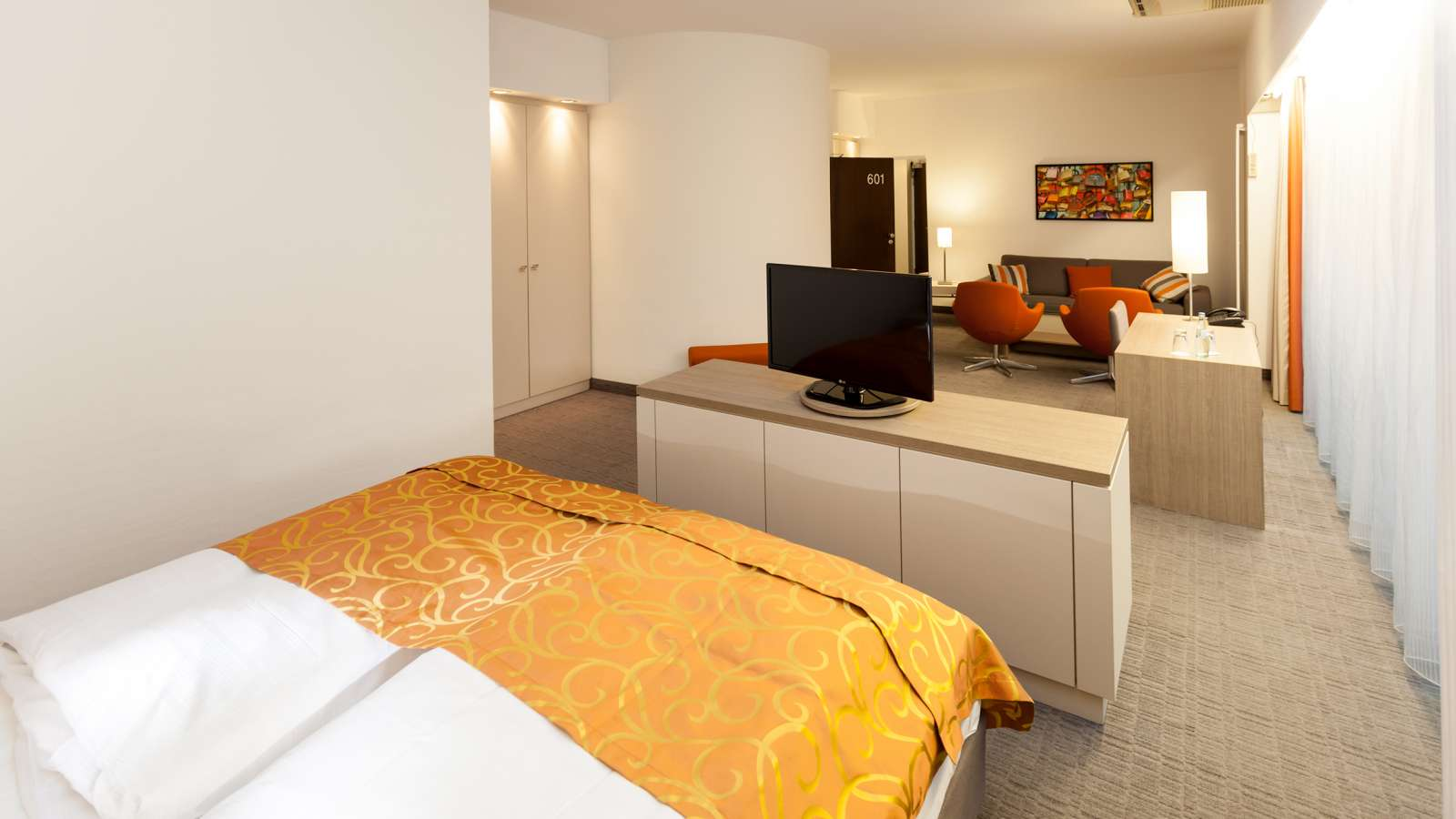 A modern double room at Centro Hotel Kommerz