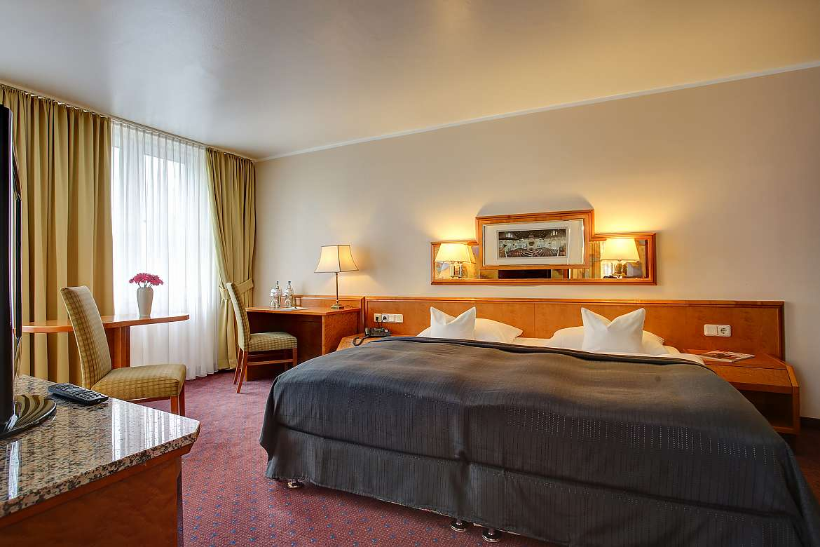 Comfortable double room at Centro Hotel Residence in Bonn