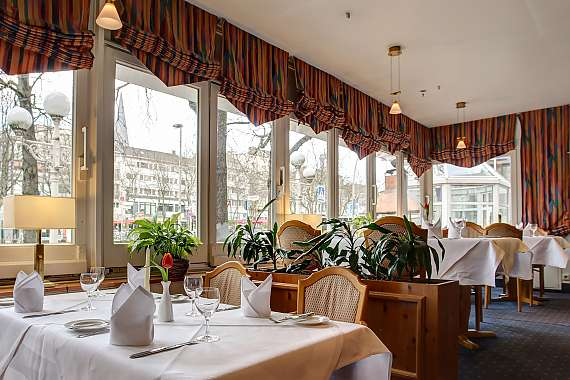 The breakfast room at Centro Hotel Residence in Bonn